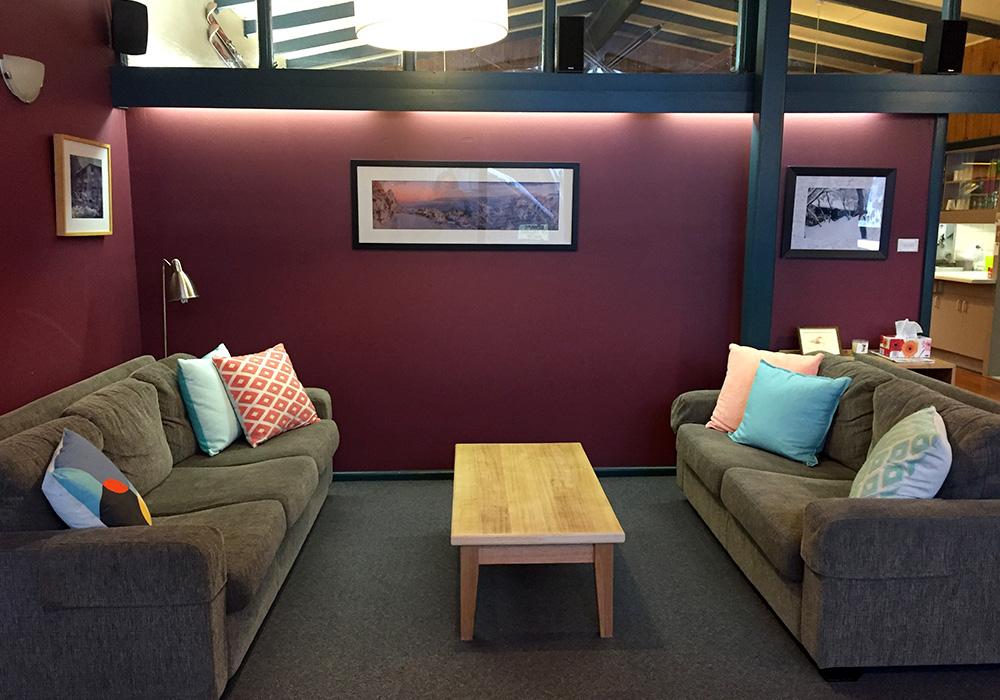 iltis-ski-club-facilities-02-lounge